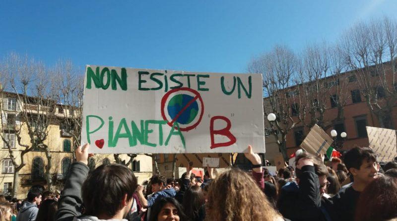 24 maggio di nuovo in piazza per il clima. A Lucca corteo da Piazzale Verdi