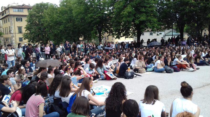 è di nuovo Climate Strike. 600 giovani in piazza a Lucca